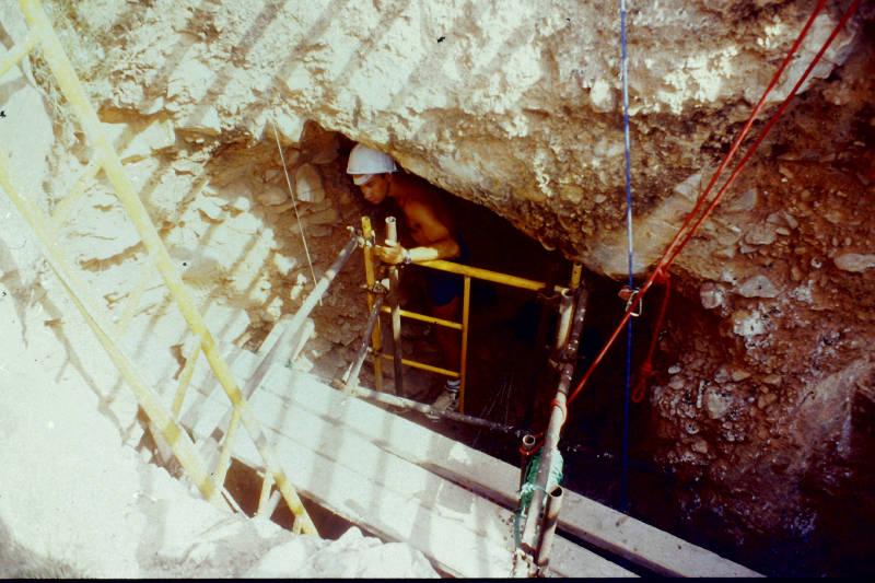 10 1994 Excavando en el Corte Superiorr